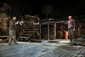 Richard Bovnoczki si Ciprian Nicula în No Man's Land - Fotografie de teatru - ghioca.eu